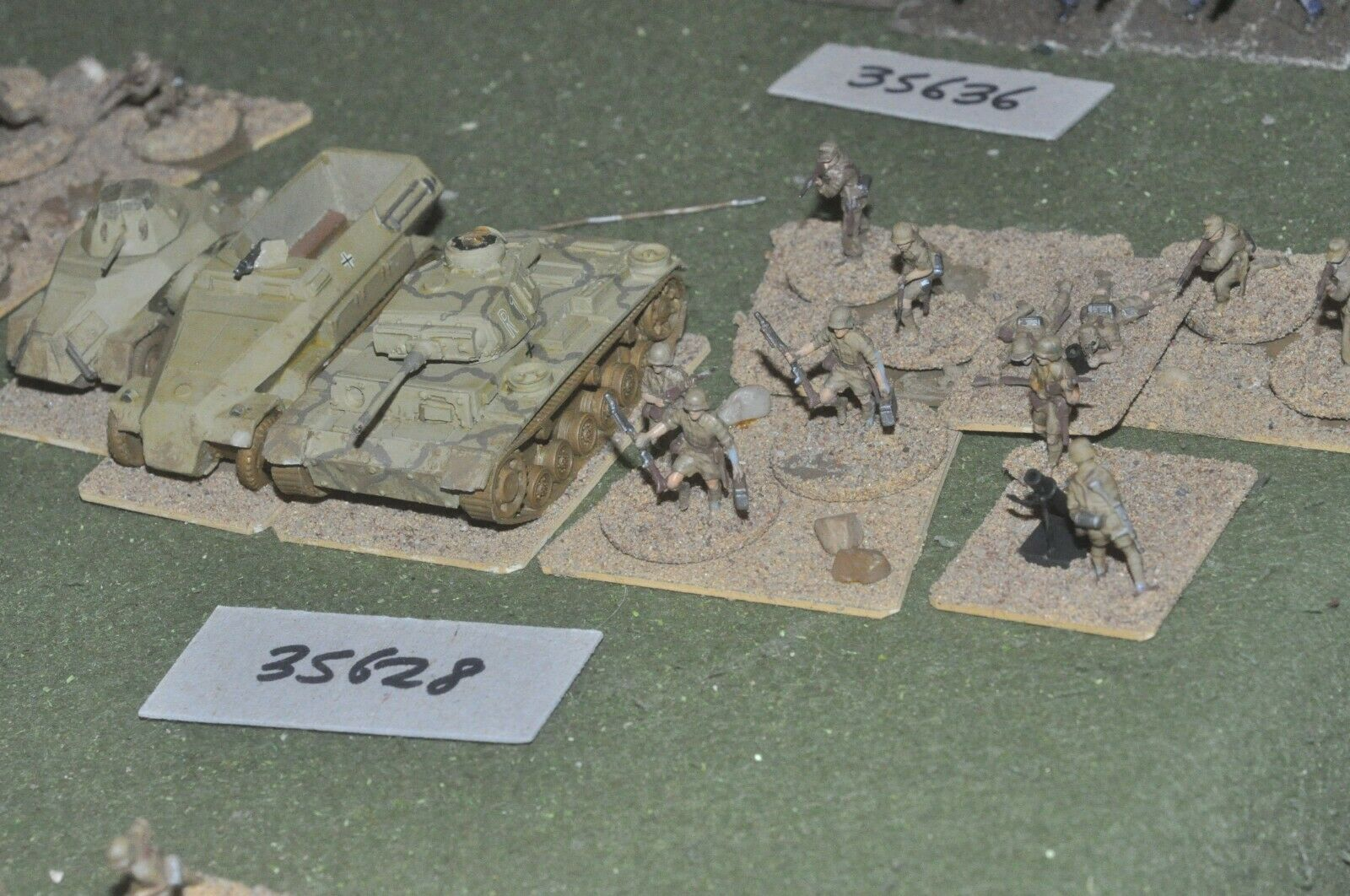 20mm WW2   german - battle group (plastic) - vehicles (35628)
