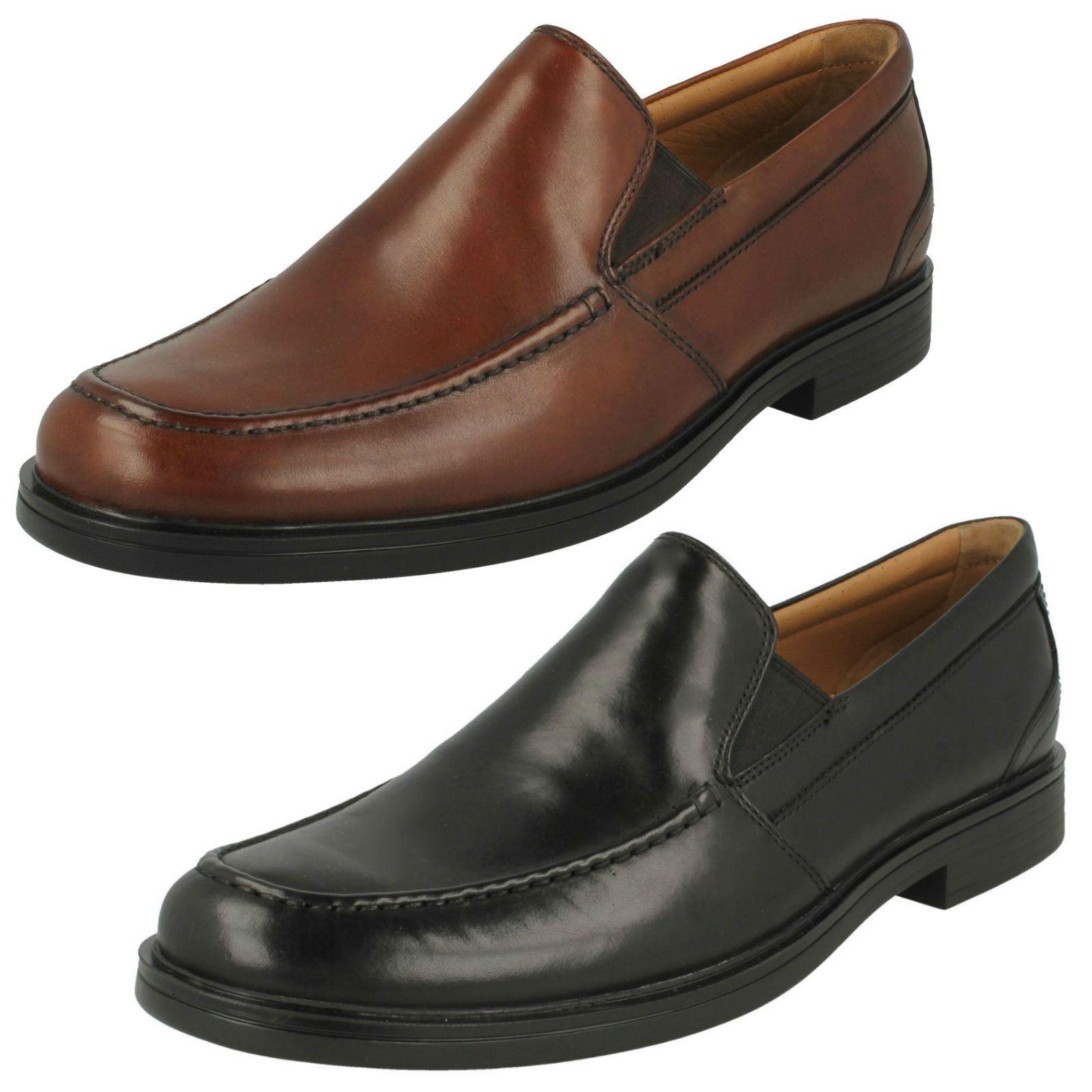 prezzi eccellenti Uomo Clarks Un Un Un ALDRIC slip nero o Marronee scuro scarpe slip-on di pelle  molto popolare