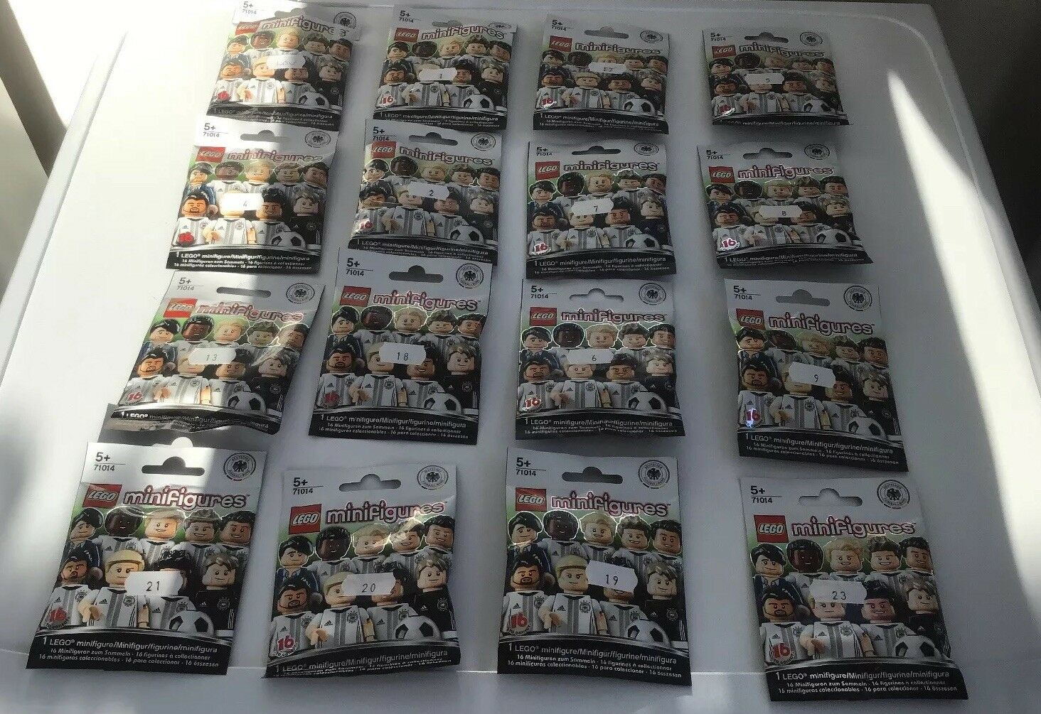 Lego Minifigures DFB Set 71014 Complete 16 Minifigs From 2016 New Only 4 Open