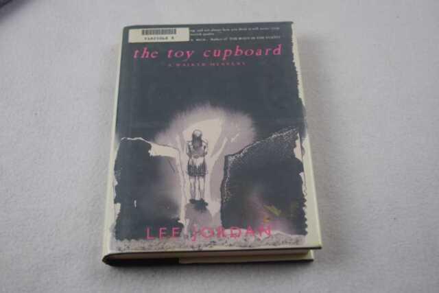 Jordan, Lee: The Toy Cupboard HC