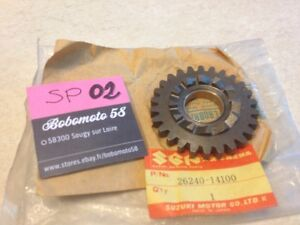 Suzuki-26240-14100-RM125-RM-125-Sprocket-Kick-Kick-Start-Drive-New-and-Rare