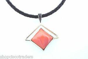 Unisex-Carnelian-Pyramid-Necklace-Leather-Cord-Reiki-Healing-Crystal-Jewelry