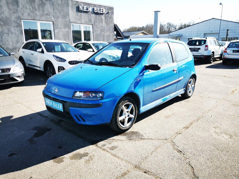 Fiat Punto 1,2 85 16V Sporting 3d - 12.900 kr.