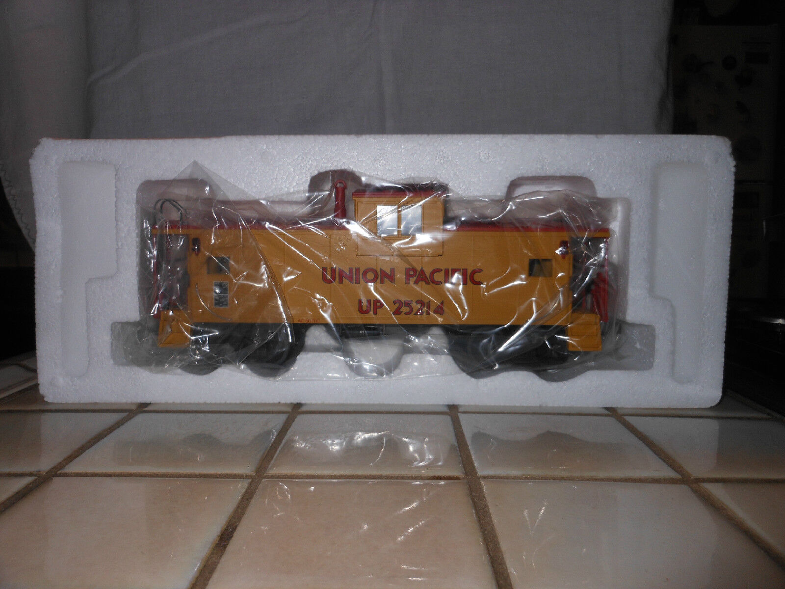 MTH PREMIER 20-9100L UNION PAC EXTENDED VISION CABOOSE TRAIN CAR NIB RATED C9