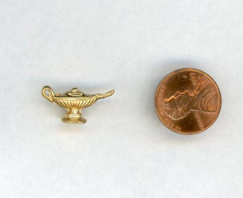 """Miniature Dollhouse Cast Metal Aladdins Lamp 1//2/"""" H X 7//8/"""" W"""