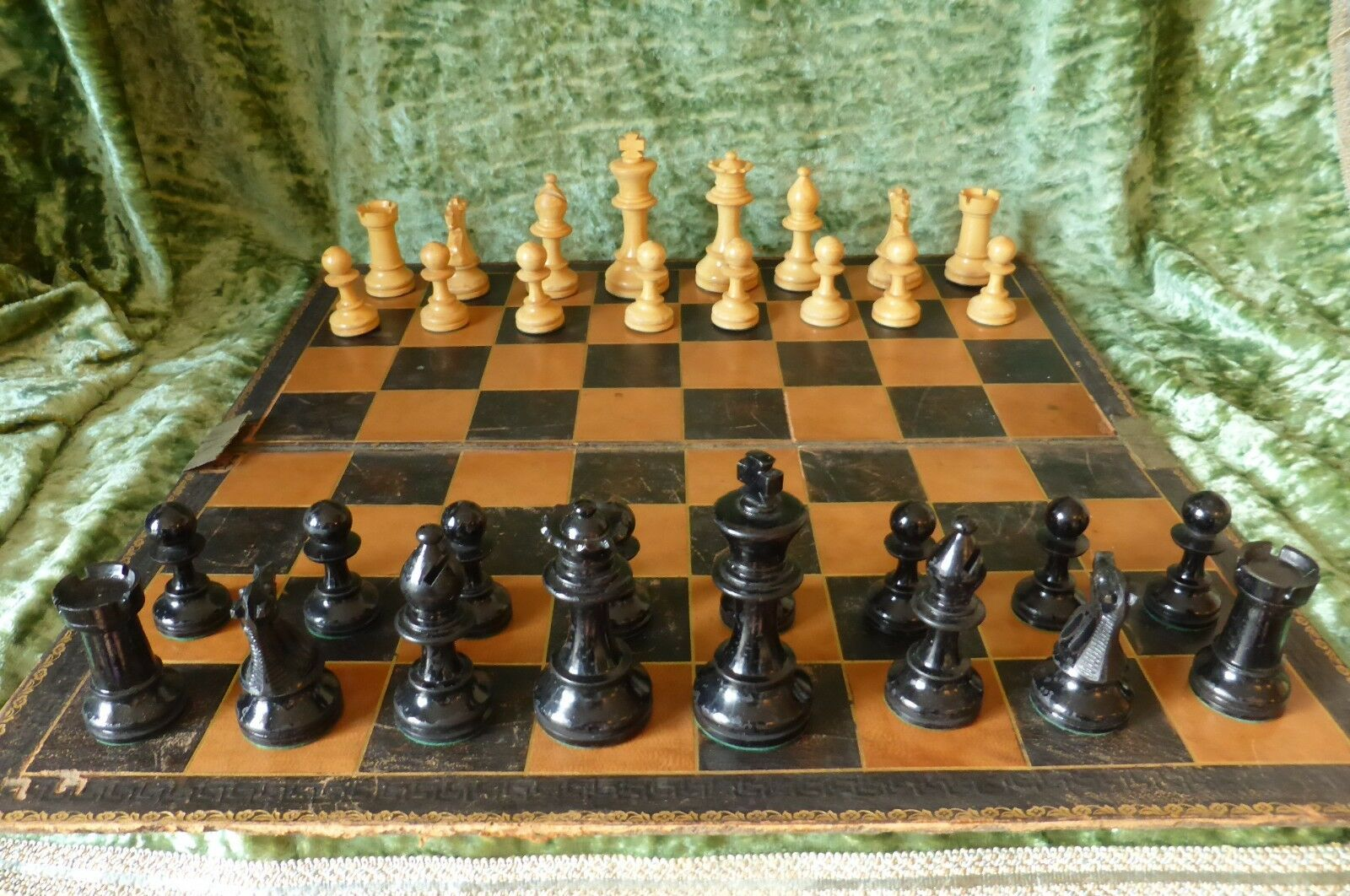 SUPERB LARGE OLD ENGLISH PRO'  CHESS SET - WEIGHTED ORIGINAL BOX - KING 3 3 4' T