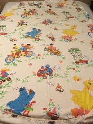 Jim Henson Productions 1993 Sesame Street characters twin fitted sheet polyester cotton child/'s bedroom pre-owned