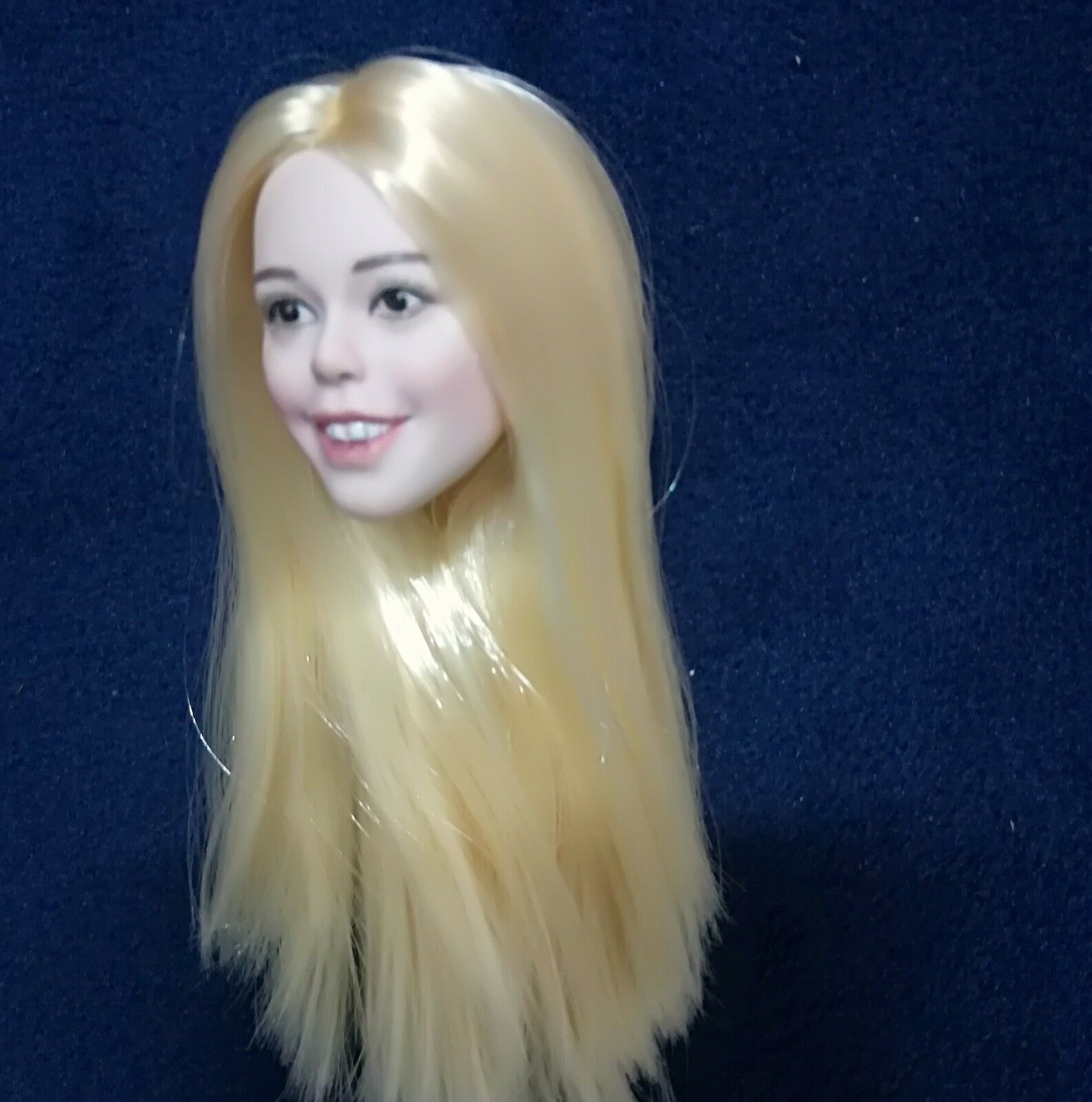 1 6 Happy Little princess Girl Pale Head Sculpt Sculpt Sculpt Light Blonde Hair Head Model Toy 94fd68