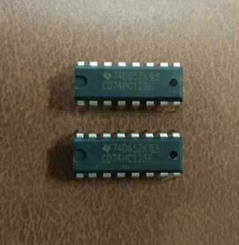 2PCS 74HC132 SN74HC132N TI Quad Schmitt Trigger Logic IC New