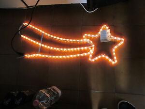 Lumieres-Noel-Empreinte-Cruciforme-Comete-Lumineux-LED-Blanc-80-X-30-CM