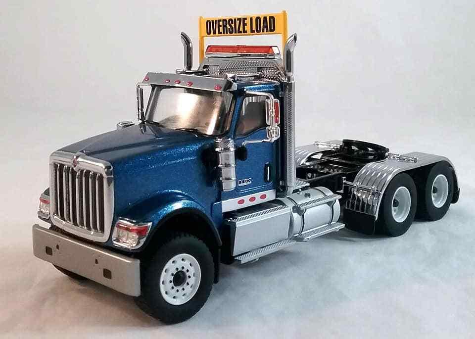 International Hx520 Tandem Tracteur en Bleu Diecast Masters 1 50 Echelle
