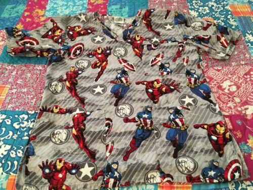 Avengers ASSEMBLE Women's Nurse Scrub Top XS Gray