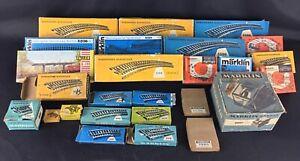 Lot-de-27-boite-vides-anciennes-trains-Rails-Transfo-etc-034-Marklin-034