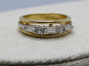 Baguette-Clear-Stone-Ring-Band-18GEP-Gold-Tone-Size-8-6-2mm-wide-Signed-A
