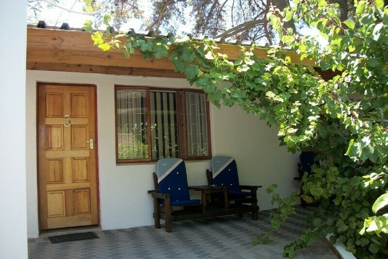 Stellenbosch, Brackenfell - Self-Catering Accommodation - Low Rates!