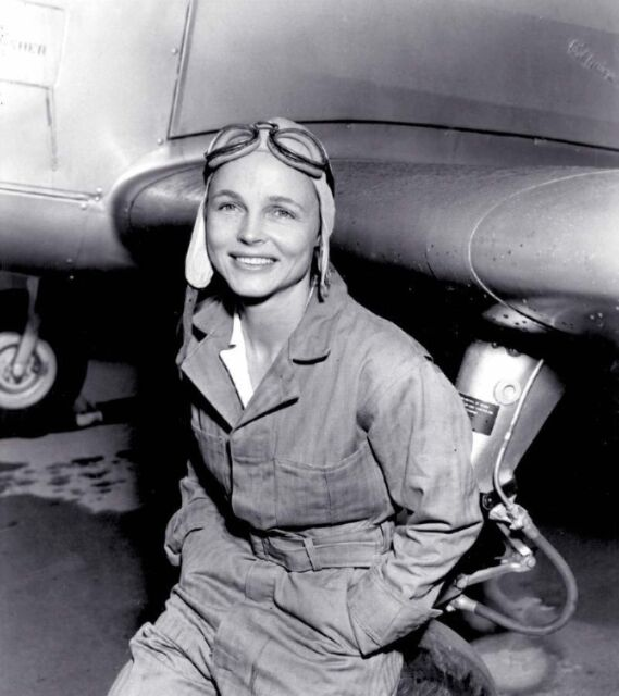 B&W WW2 Photo WWII Female Ferry Pilot USAAC US Army World War Two WAC Women