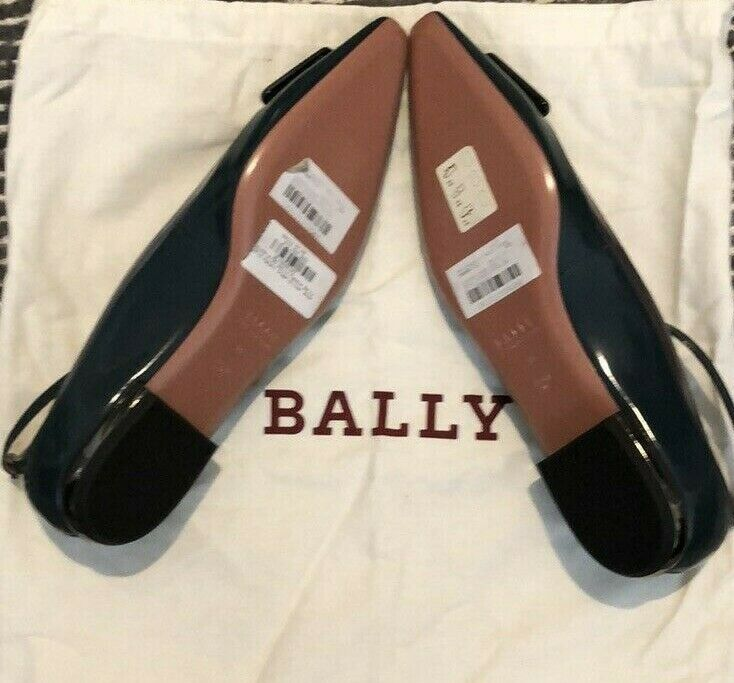 NWT Bally Pointy Flats Flats Flats With Ankle Straps - Dark Green with Silver Details acd6c5