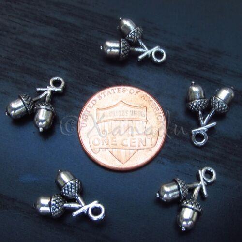 Autumn Acorn Wholesale Antiqued Bronze Charm Pendants C6059-10 20 or 50PCs