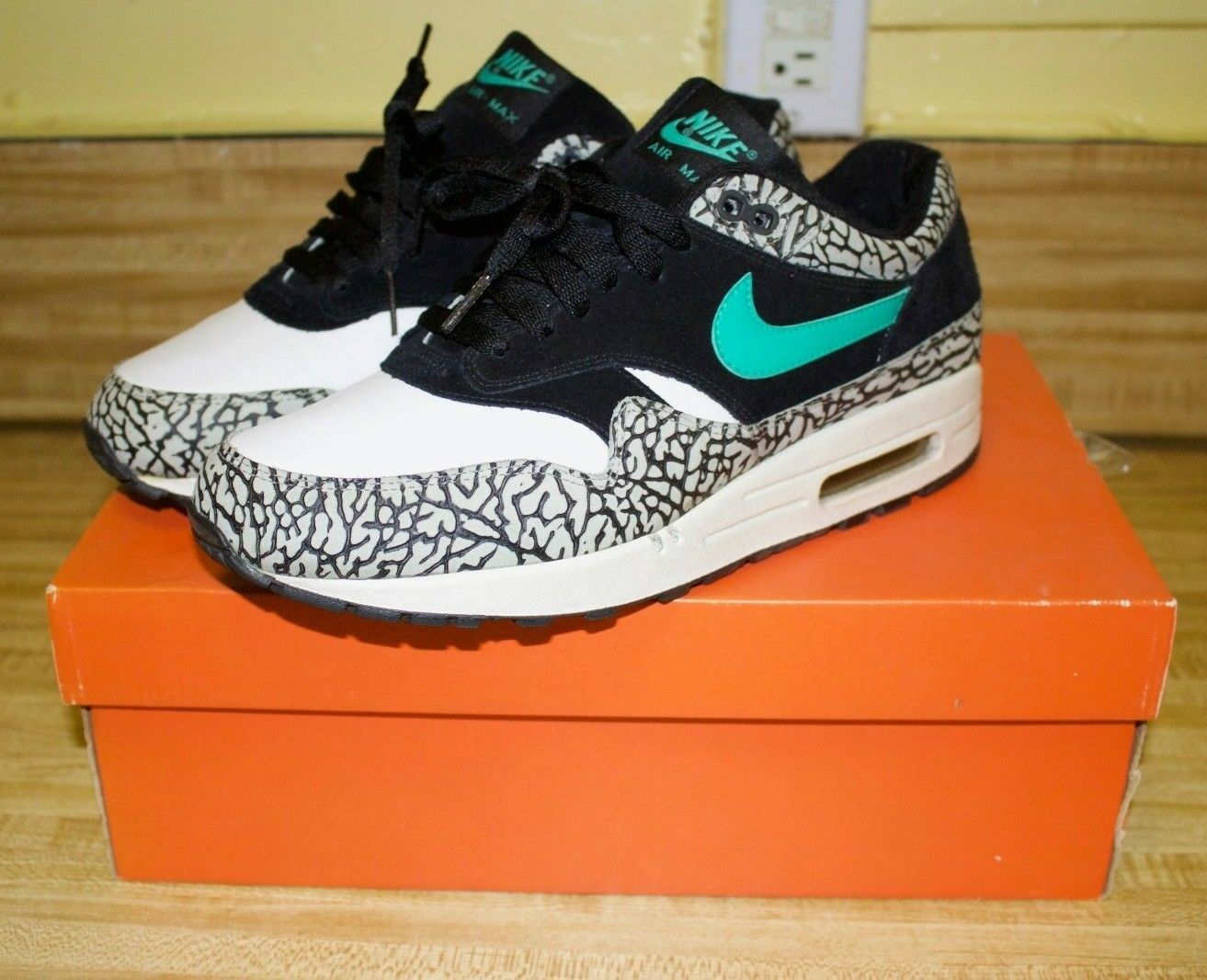 2007 Nike Air Max 1 B ATMOS Elephant Size 9 Patta Black White Teal