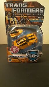 New Transformers Classics Reveal The Shield Deluxe Class BUMBLEBEE (2010 Hasbro)