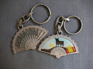 Spain-Fan-Key-chain-Pewter-toned-Espana-Bull-at-Sunset