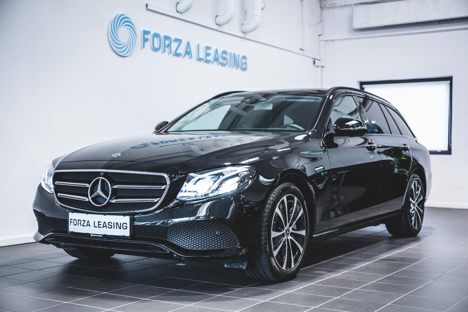 Mercedes E300 de 2,0 Avantgarde stc. aut. 5d