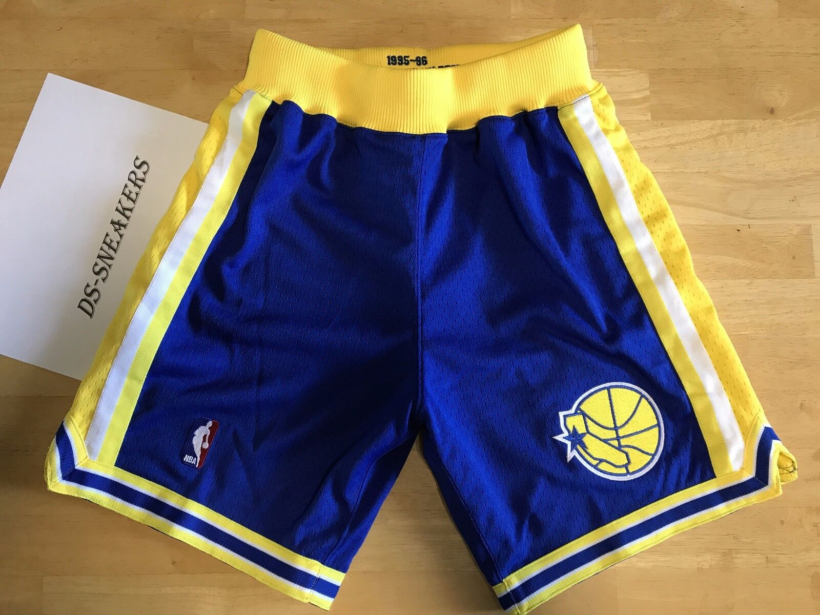 NBA Authentic Throwback Shorts Warriors sz S Mens Mitchell & Ness RARE GSW Curry