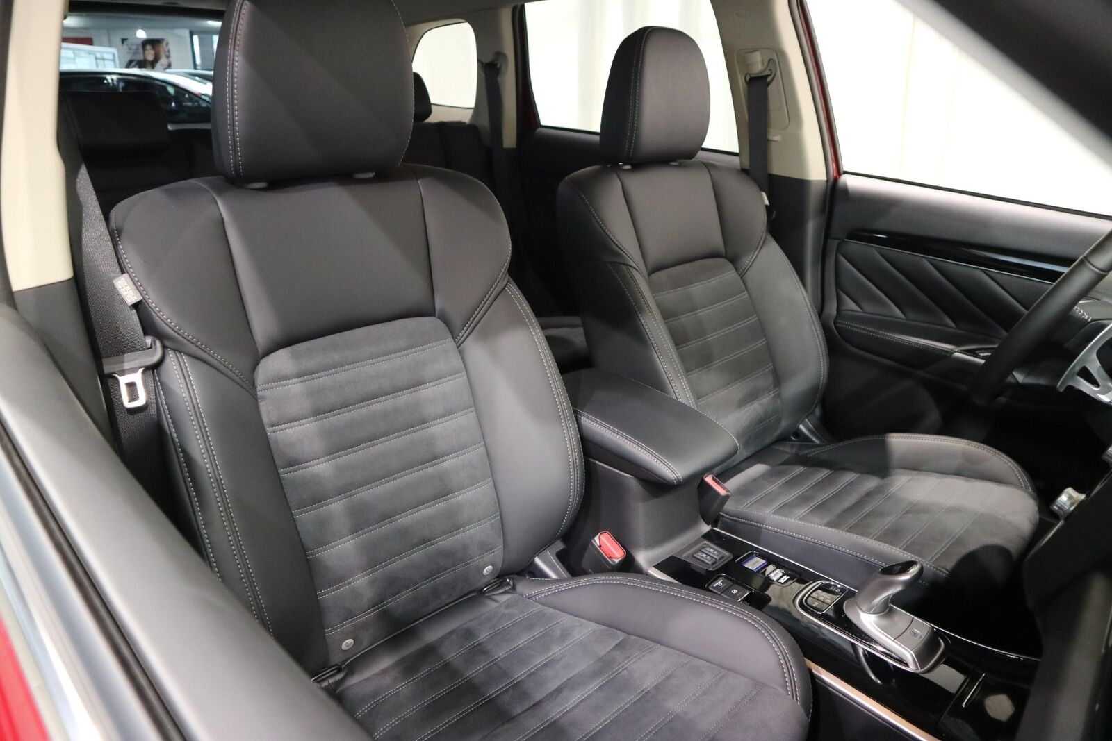 Mitsubishi Outlander 2,4 PHEV Intense CVT 4WD - billede 16
