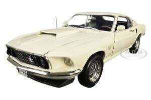 1969 FORD MUSTANG FASTBACK BOSS 429 WHITE 1:18 DIECAST CAR BY AUTOWORLD AMM1196