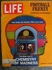 LIFE Nov 26, 1971 Oklahoma vs. Nebraska, Bogdanovich, Hawaii pollution, Wouk