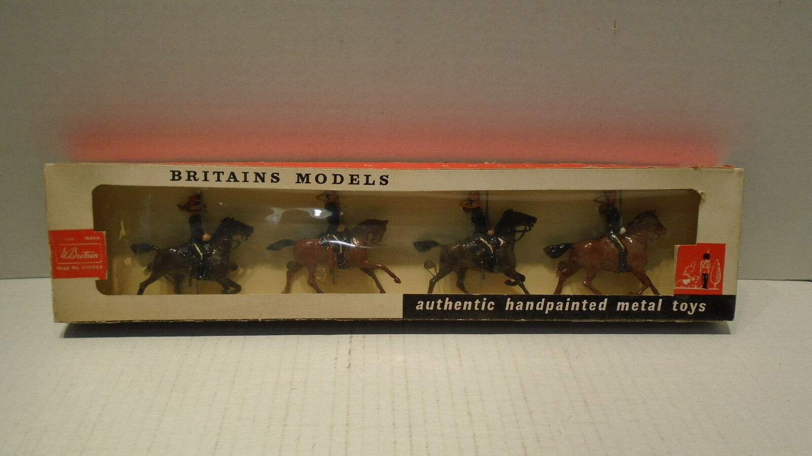 Britains Metal Toy Soldiers 9214 7th Queens Own Hussars Made In England