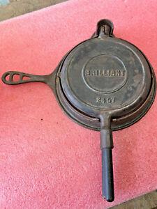 BS6-Vintage-RARE-Brilliant-cast-iron-waffle-iron-2457-No-8-wooden-handles-7-5