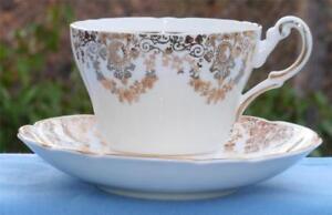 Regency-Bone-China-Teacup-Cup-amp-Saucer-Gold-Filigree-Design-EUC