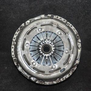 Audi-A5-Schwungrad-Doppel-Masse-mit-Kupplung-8TA-2-0-Tdi-0B1105266AE-2010