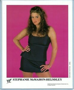 WWE-STEPHANIE-MCMAHON-P-662-AUTHENTIC-LICENSED-8X10-PROMO-PHOTO-VERY-RARE