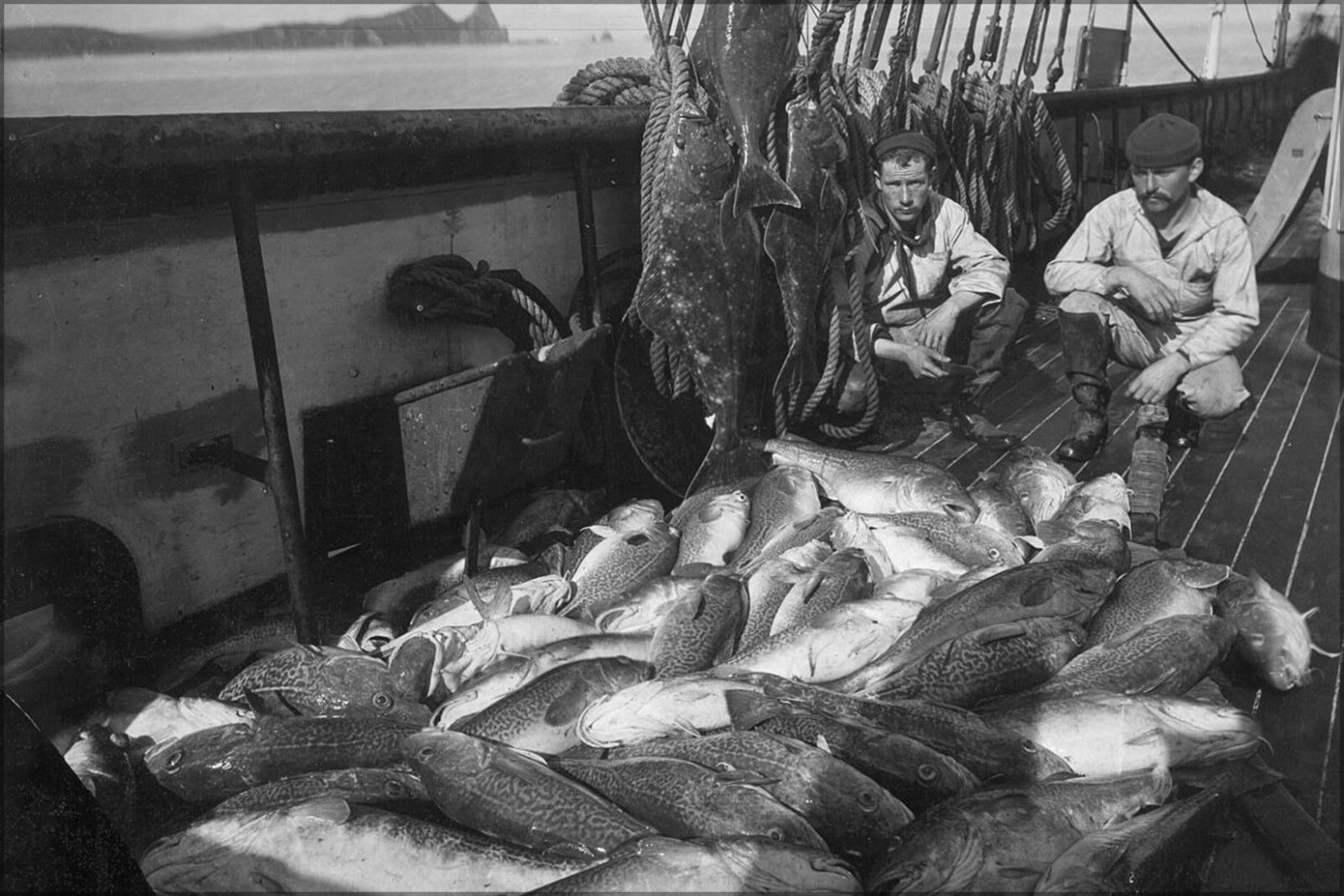 Poster, Molte Misure; Barca da Pesca, Merluzzo e Halibut, Alaska 1927