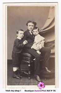 GARCON-EN-POSE-AVEC-2-JEUNES-ENFANTS-VERS-1870-CDV-PIERRE-PETIT-a-PARIS-P75