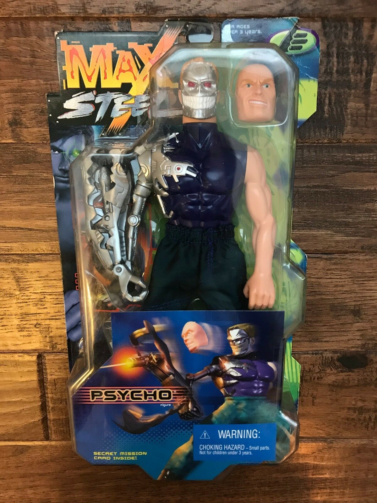 1999 (Mattel)  MAX STEEL  (PSYCHO)  CRUSHING CLAW  Action Figure, NEW  RARE