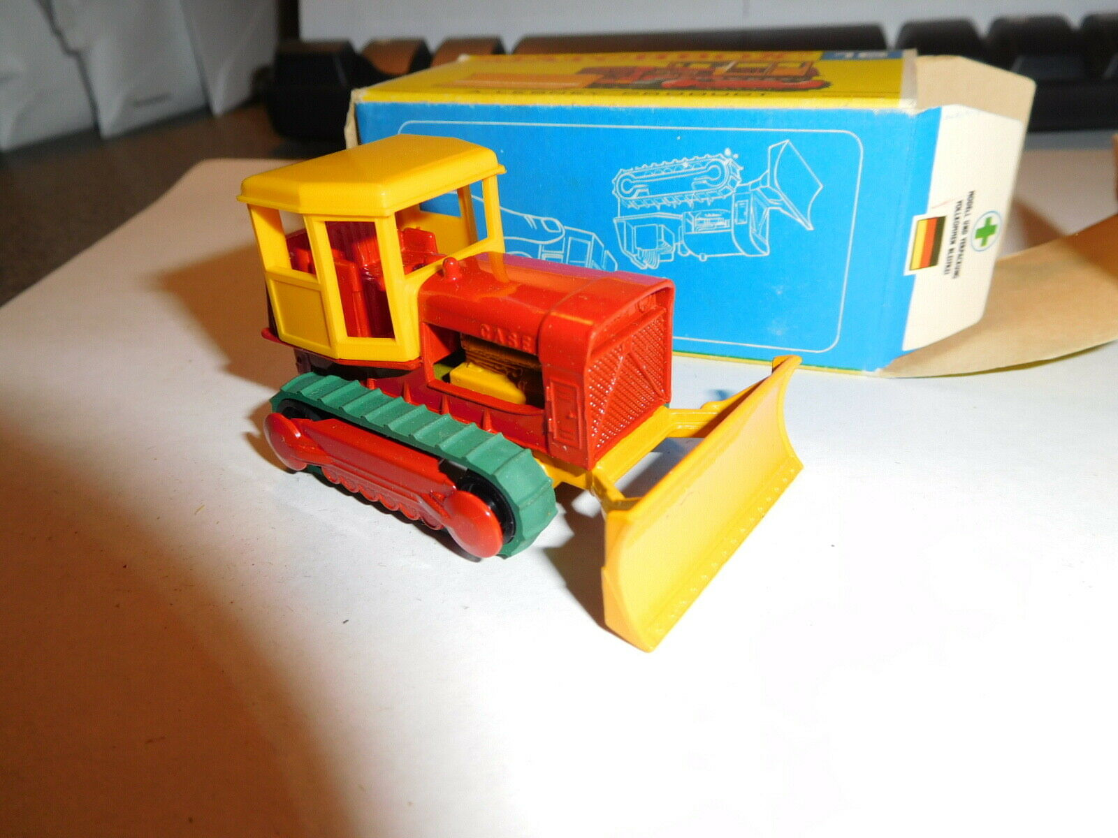 MATCHBOX LESNEY CASE TRACTOR BOX & VEHICLE
