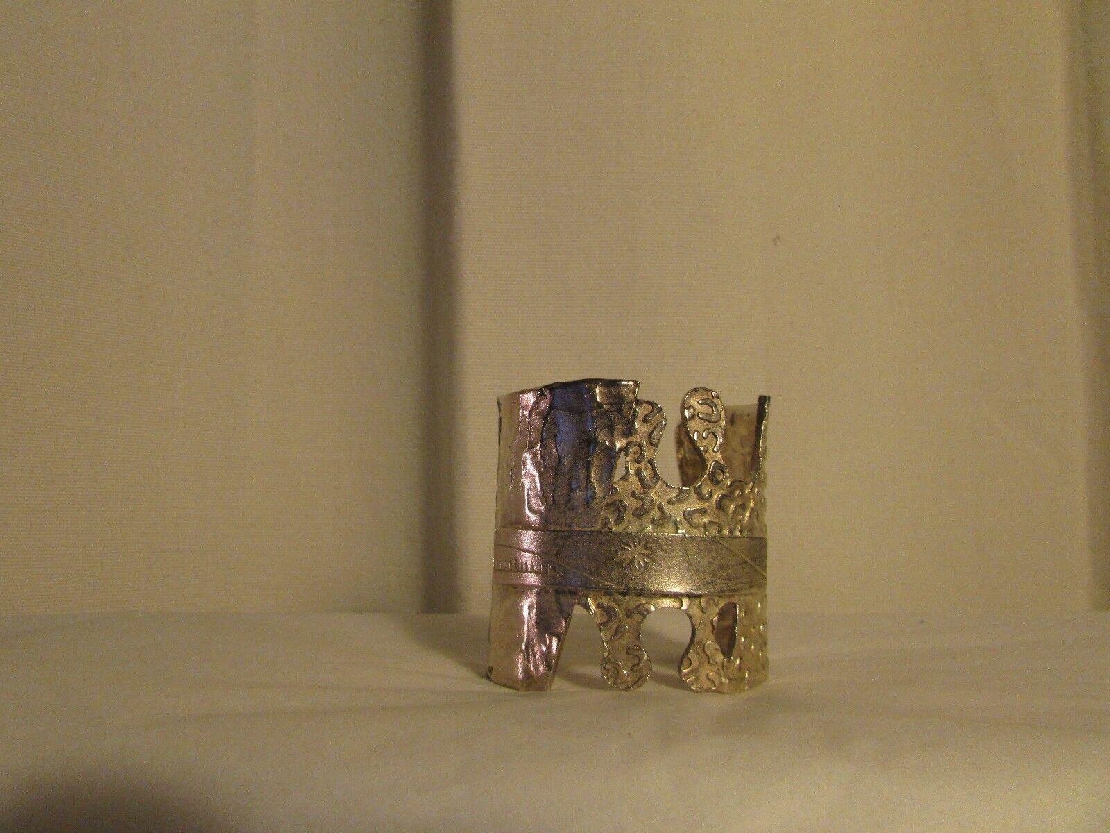 Bracelet manchette vintage BICHE DE BERE métal silveré