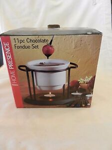 11-Piece-Chocolate-Fondue-set-From-Home-Presence-White-with-black-Stand