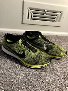 competitive price f7385 c143e Image is loading Mens-Nike-Flyknit-Racer-Green-Black-Shoes-Size-