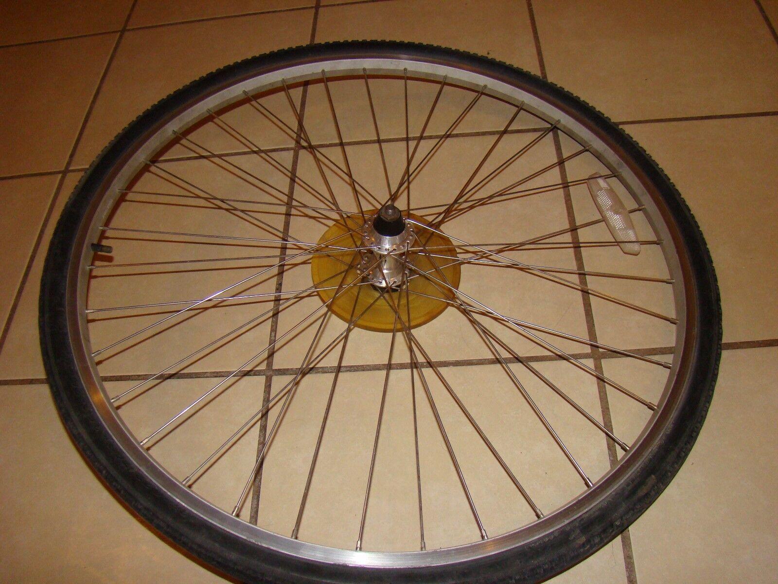 Fuji aluminum wheel set 700 c or  28 in with tires  incredible discounts