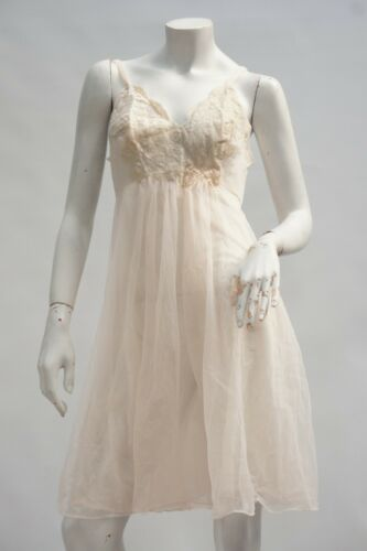 Vintage 50s-60s Pink Lace and Chiffon Negligee