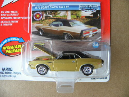1970 DODGE CHALLENGER RT  #34     2004 JOHNNY LIGHTNING MUSCLE CARS U.S.A.  1:64