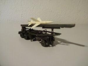 E10-24-Roco-034-Honest-John-034-Rocket-Launcher-Military-1-87-Used