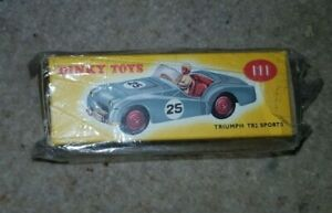 Atlas Dinky toys 111 TRIUMPH TR2 SPORTS CAR PINK #29 boxed
