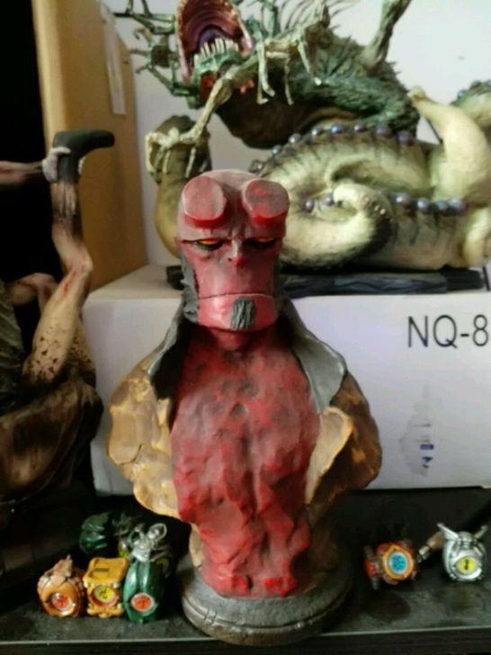Hellboy 9  bust - bild statue vor gemalten harz spielzeug limitierte sammlerstücke