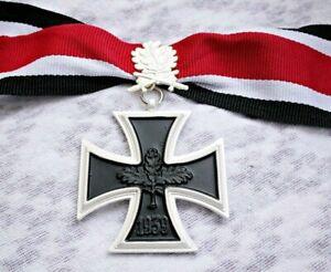 Knights-Cross-of-the-Iron-Cross-with-Leaf-WW2-German-Medal-1939-Ritterkreuz-Copy