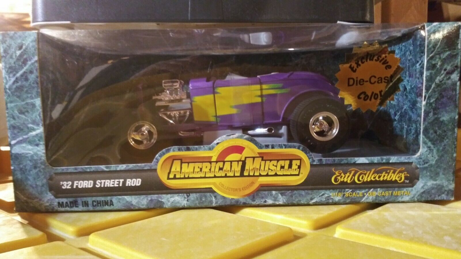 AMERICAN MUSCLE 1 18 SCALE '32 FORD STREET ROD DIECAST CAR